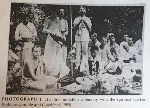 Pirmoji iniciacija Lazdynuose su Prabhavišnu Swami 1989